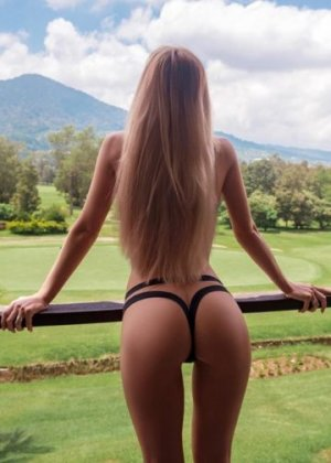 Tathiana live escort in Dania Beach and sex club